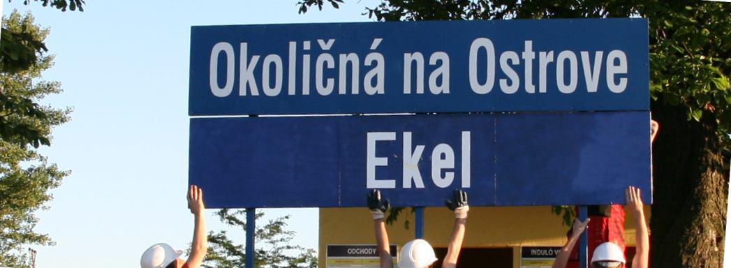 Aktivisti sa o dvojjazyčné tabule snažia dlhšie. FOTO: Dvojjazyčné Južné Slovensko