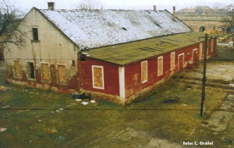Pracovna v r. 1990.