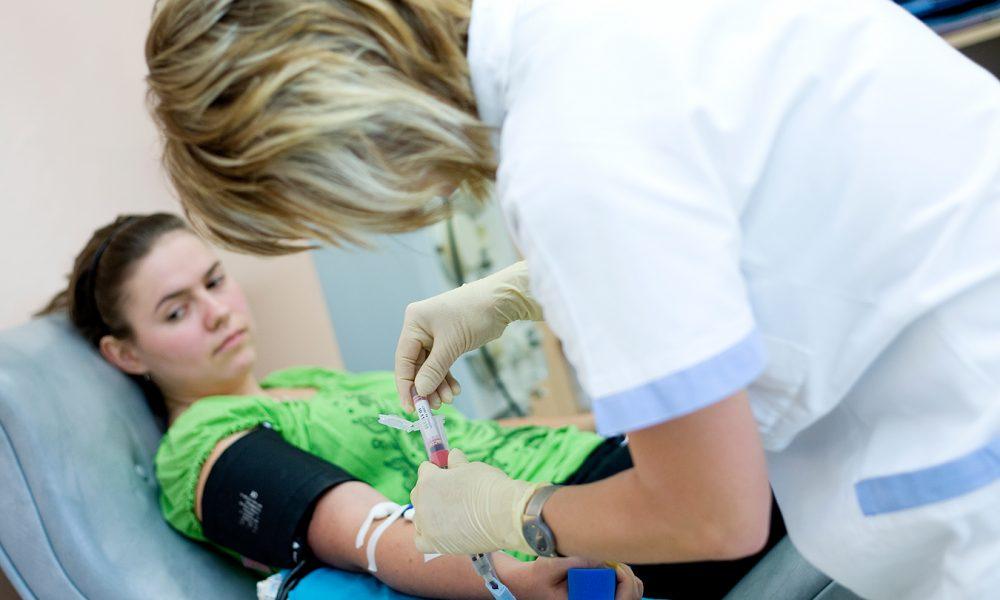 Ahoj Komárno - Komárňanská nemocnica podporí Valentínsku kvapku krvi