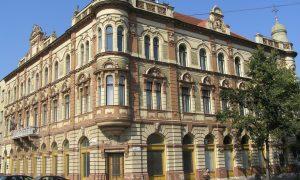 Ahoj Komárno - Mesto predáva historickú budovu bývalej kaviarne Grand