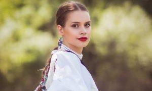 Ahoj Komárno - Prvou vicemiss Miss folklór 2018 sa stala Romana Mačicová z Komárna
